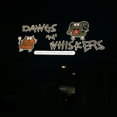 dawgs n whiskers